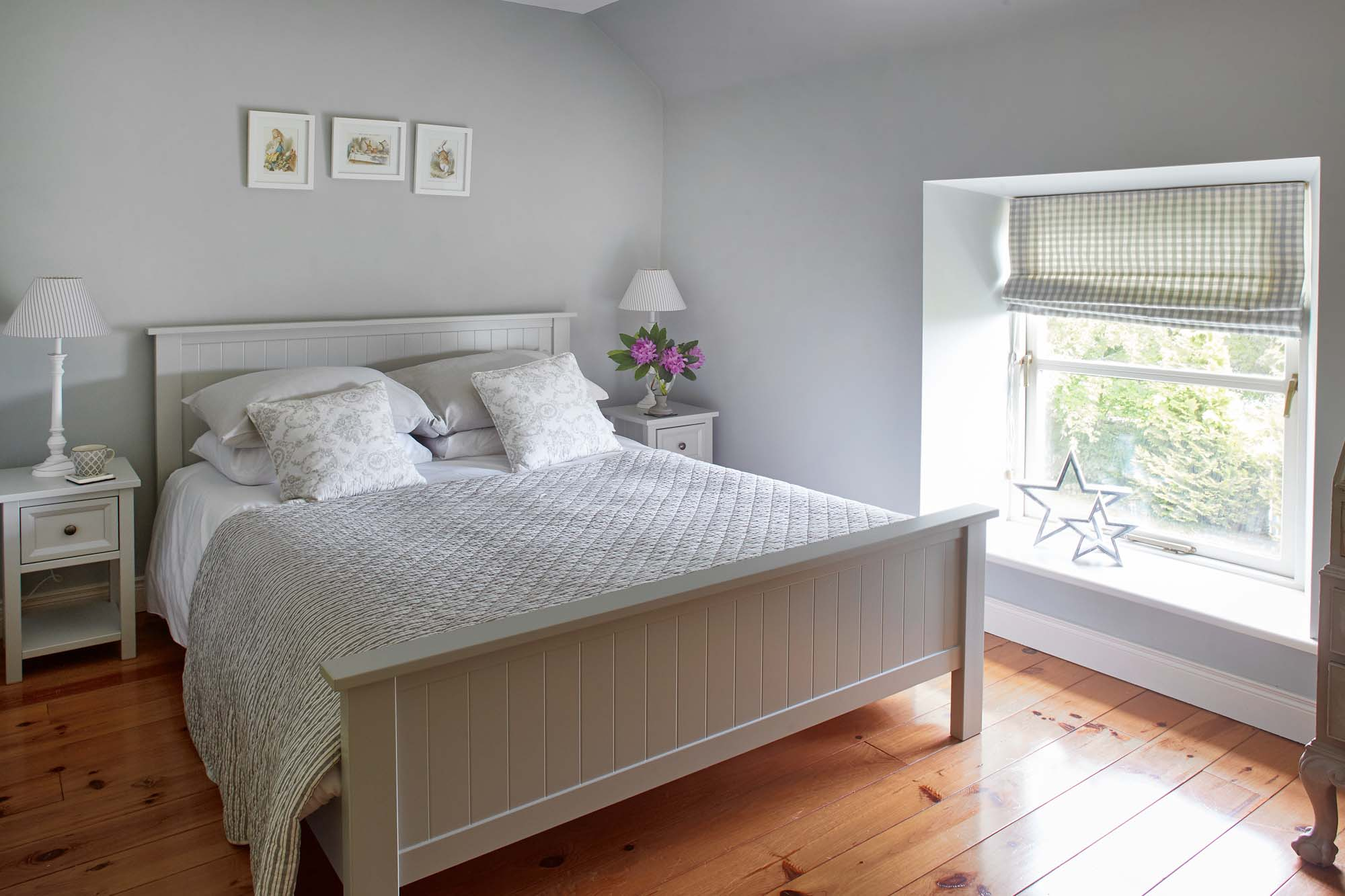 Calm relaxing double bedroom in converted farmhouse in Co louth Ireland