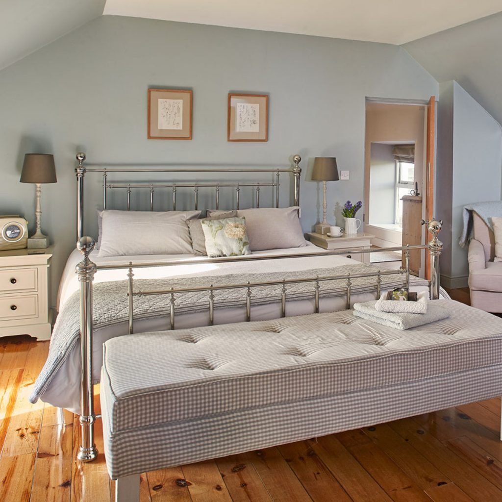 Boutique period double bedroom for romantic mini break in the country